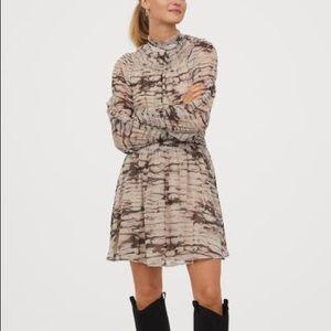 New Arrival Chiffon Dress 🆕 H&M